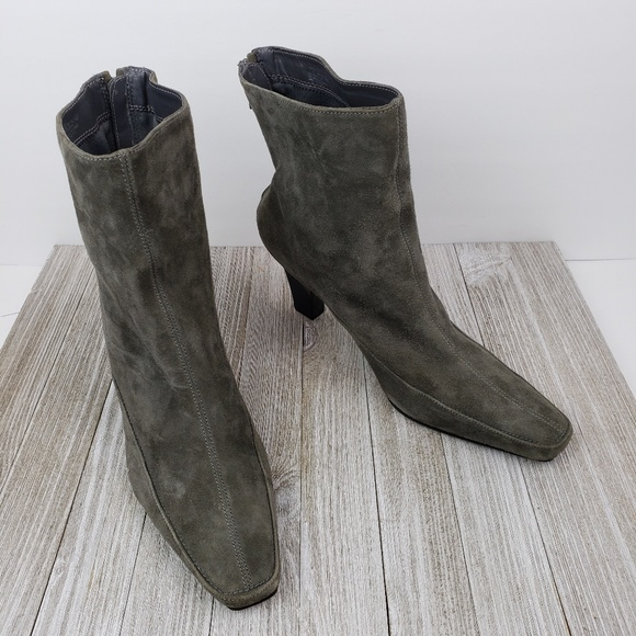 Pop Piz Gray Suede Ankle Boots